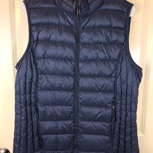 32  Degrees Dark Blue Quilted Down Vest sz XL
